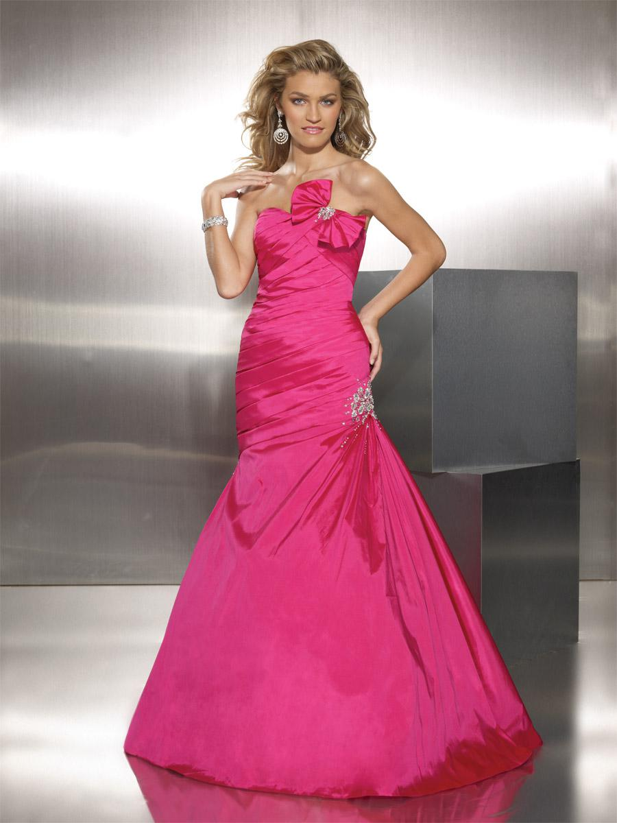 - Mori Lee 8741, Cerise