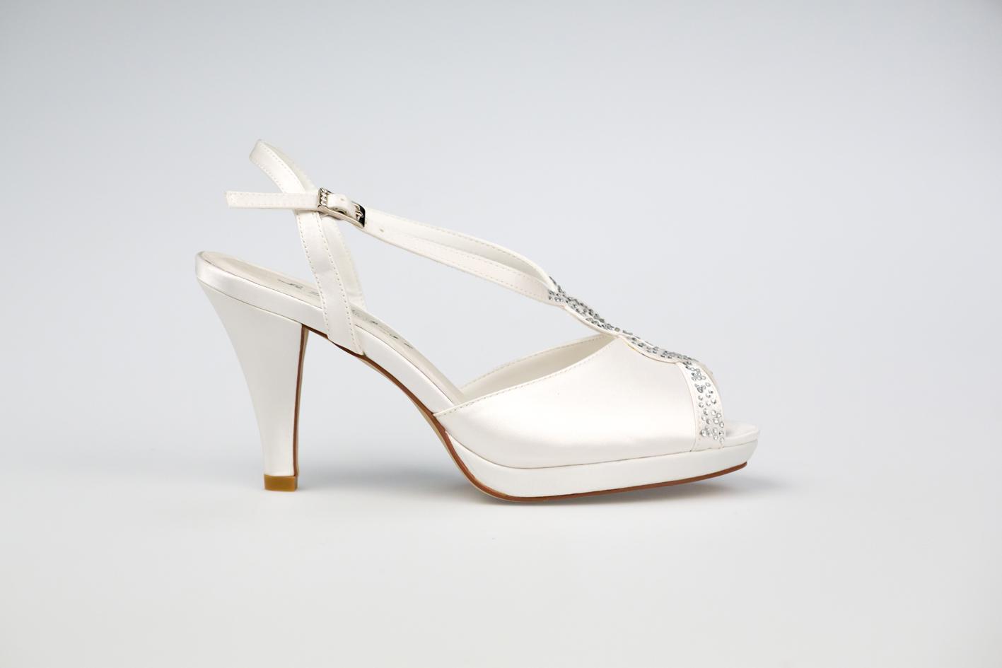 REBECCA - Westerleigh cipő. 22.500 Ft, 8 cm sarok.