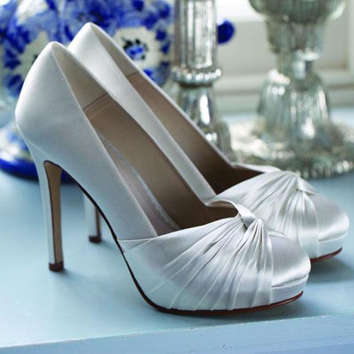 SIMONE - Rainbow cipő. 26.500 Ft. 10,5 cm sarok.