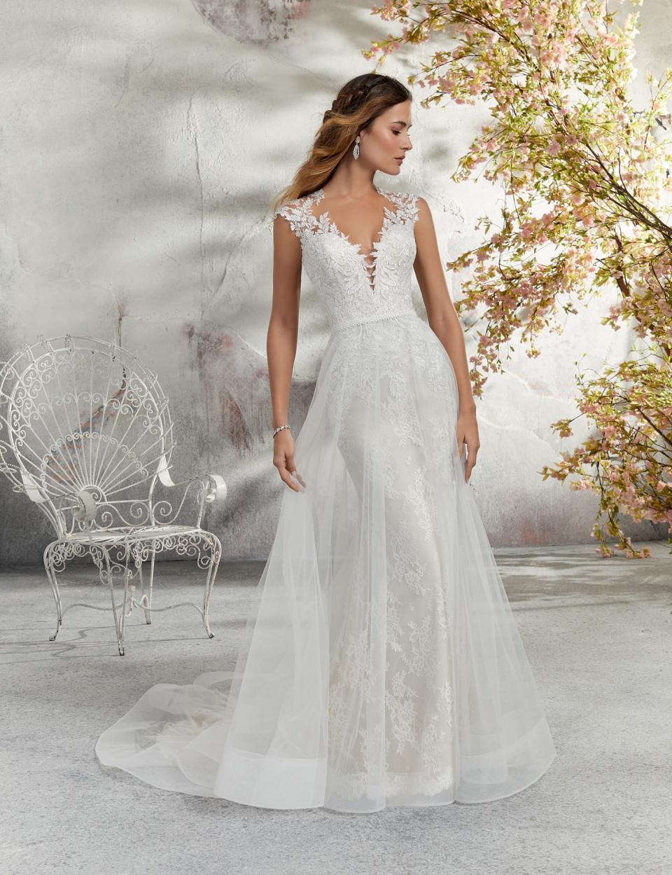 5c79cf242c elsküvői ruha