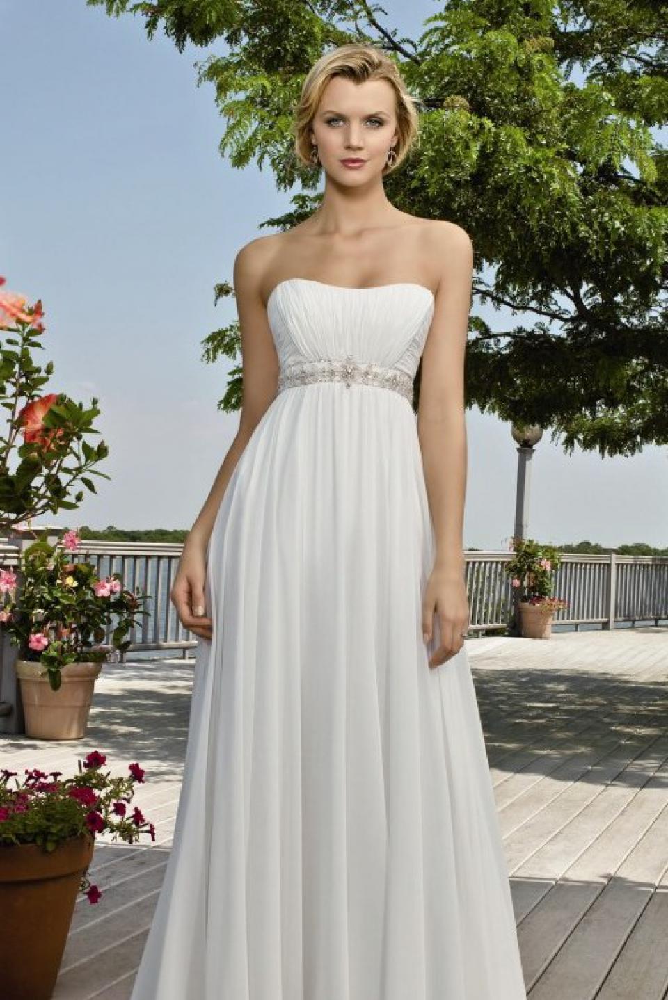 Esküvői ruha árak fe7813686e